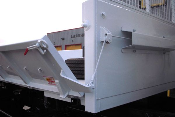 multi-bennes-hydraulique-36E7A97BE-E3AD-5613-D6D4-6DD949EFECAD.jpg
