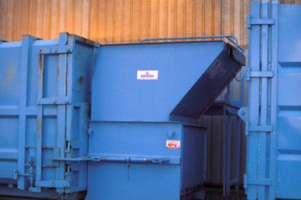 compacteurs-bois-141AAC068-287A-9DB1-2B62-C56847F5B937.jpg